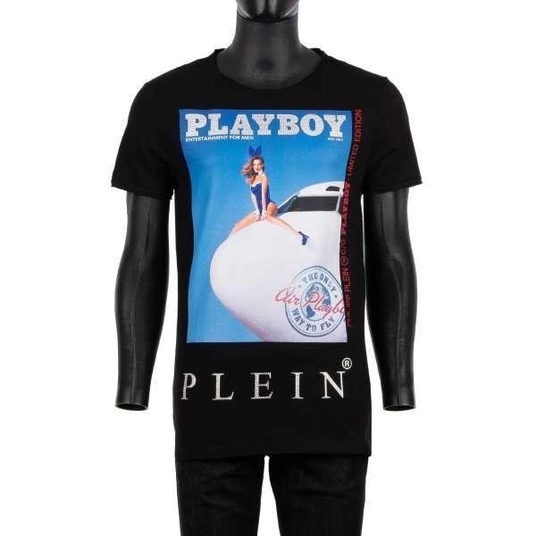 T-Shirt mit Kristallen verziertem Magazin Cover von Amanda Booth / Stewardess und 'Playboy Plein' Schriftzug vorne und auf der Rückseite von PHILIPP PLEIN x PLAYBOY