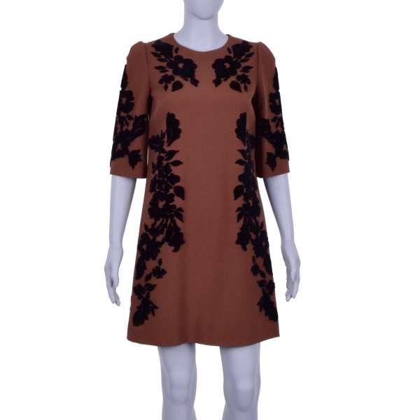 Barock Kleid mit Blumen Stickerei aus Samt in Schwarz und Braun von DOLCE & GABBANA Black Label