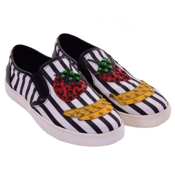Slip-On Sneaker LONDON mit Banane, Erdbeere Applikationen und DG Logo in schwarz und weiß von DOLCE & GABBANA Black Label