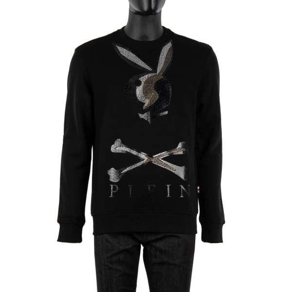 Pullover / Sweatshirt mit großem Bunny Skull Logo aus Kristallen und Python Textur vorne und mit 'Playboy X Plein' Schriftzug aus Python Textur auf der Rückseite von PHILIPP PLEIN x PLAYBOY