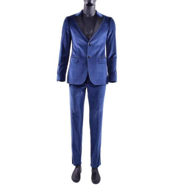 Velvet suit with black contrast collar by MOSCHINO Classic Line