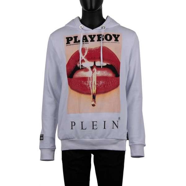 Kapuzenpullover mit Magazin Cover Print von Lauren Young Lippen vorne und mit Playboy Plein' Schriftzug auf der Rückseite von PHILIPP PLEIN x PLAYBOY