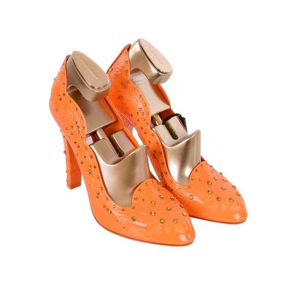Cinderella Pumps aus PVC mit Strass-Verzierung inklusive goldene Schuhspanner aus Holz von DOLCE & GABBANA Black Label