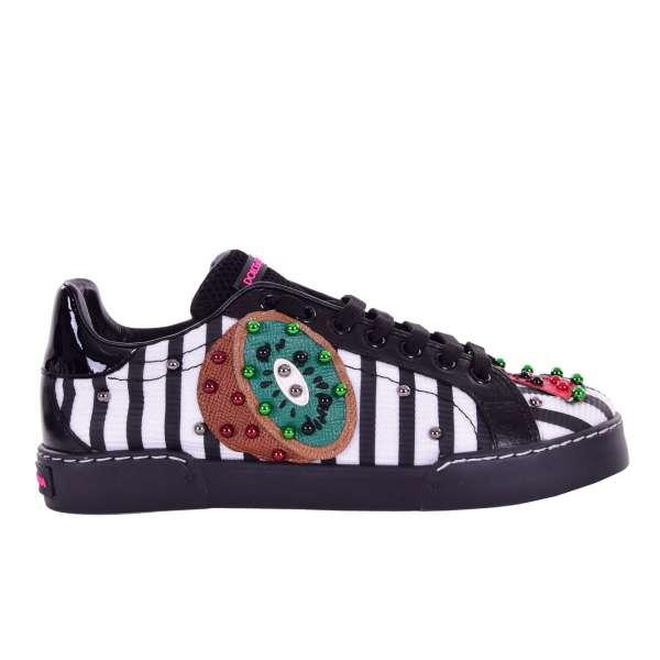 PORTOFINO Sneakers mit Obst Applikationen (Kiwi, Wassermelone) und Nieten in schwarz und weiß von DOLCE & GABBANA Black Label