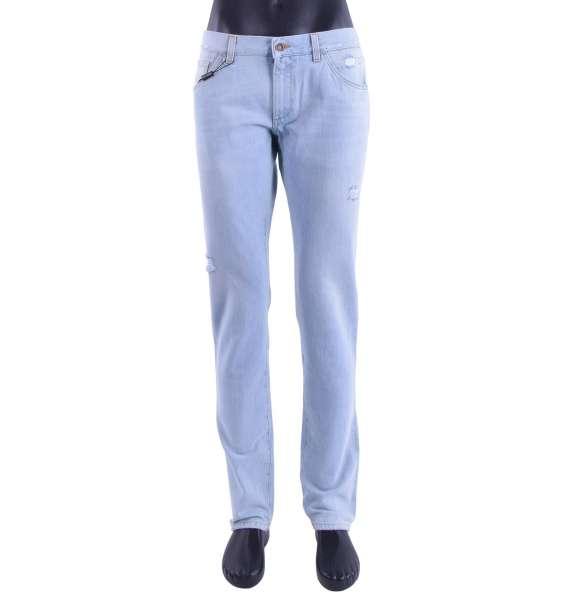 Schmal geschnittene Jeans 14 GOLD in Distressed Optik mit Logo Schild von DOLCE & GABBANA Black Label